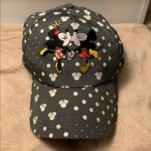 Micky & Mini Mouse KISSES Cap New With Tags